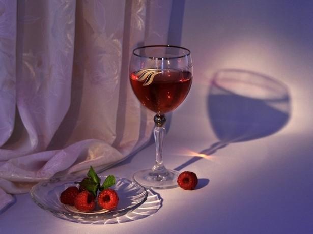 Вино з малини за перевіреними рецептами
