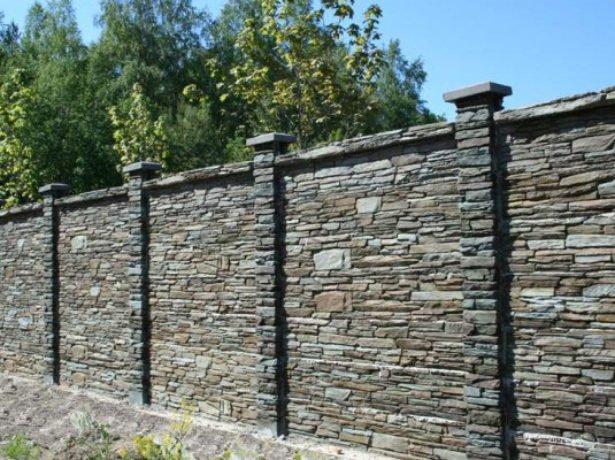 Як зробити камяний паркан своїми руками?